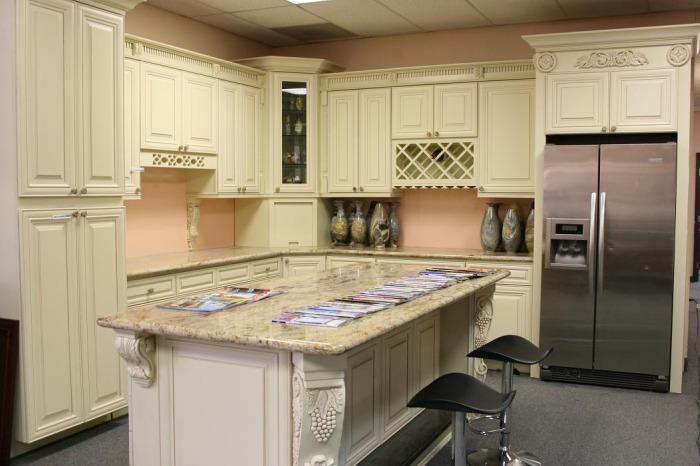 vanilla maple kitchen image   kitchen  u0026 bathroom design center  rh   kitchenimage com