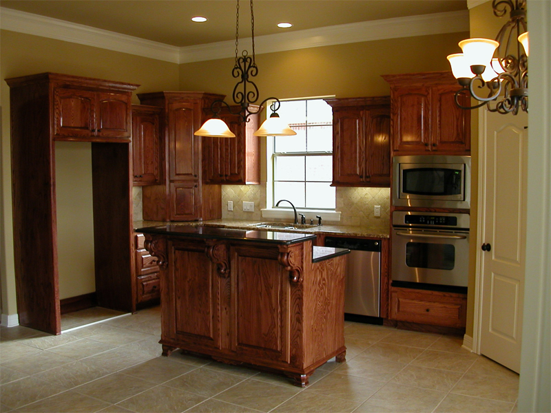 Kitchen image kitchen bathroom design center for Kitchen pictures with oak cabinets